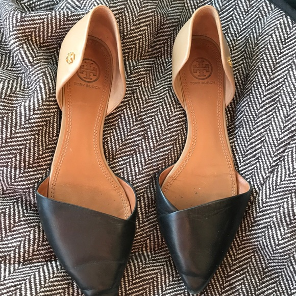 11967a0d452 Tory Burch Black and Tan pointed toe Flats. M 5ad4a5026bf5a65cc12b7b3f